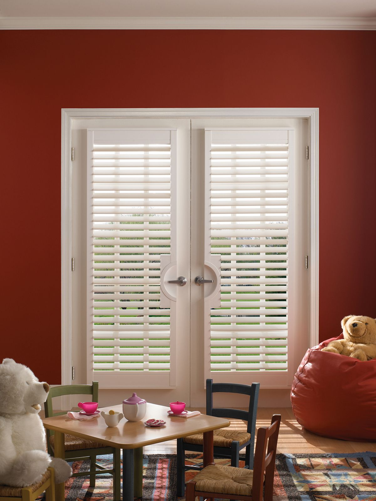Cotton • 2½ inch louver • French Door Cut-out • Clearview® hidden rear tilt